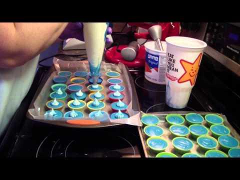 Making Custom Blue Hawaiian Cupcakes