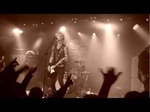 DUFF MCKAGAN'S LOADED – So Fine