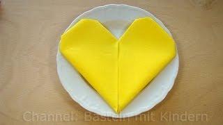 Repeat youtube video Servietten falten Herz - ❤️ einfache DIY Tischdeko für Hochzeit & Geburtstag basteln