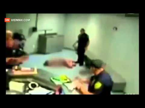 Devyani Khobragade strip searched by the TSA in the USA