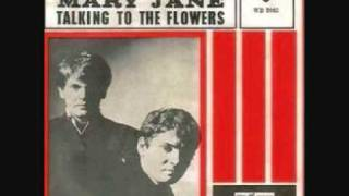 Watch Everly Brothers Talking To The Flowers video