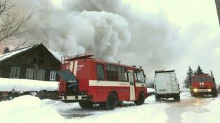 Чудовищный пожар спалил несколько домов в Уфе