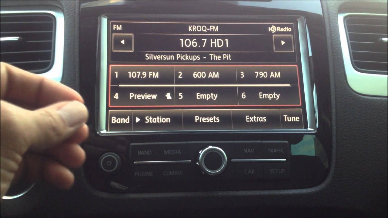 VW Touareg AM/FM/Sirius Radio RNS 850 - YouTube