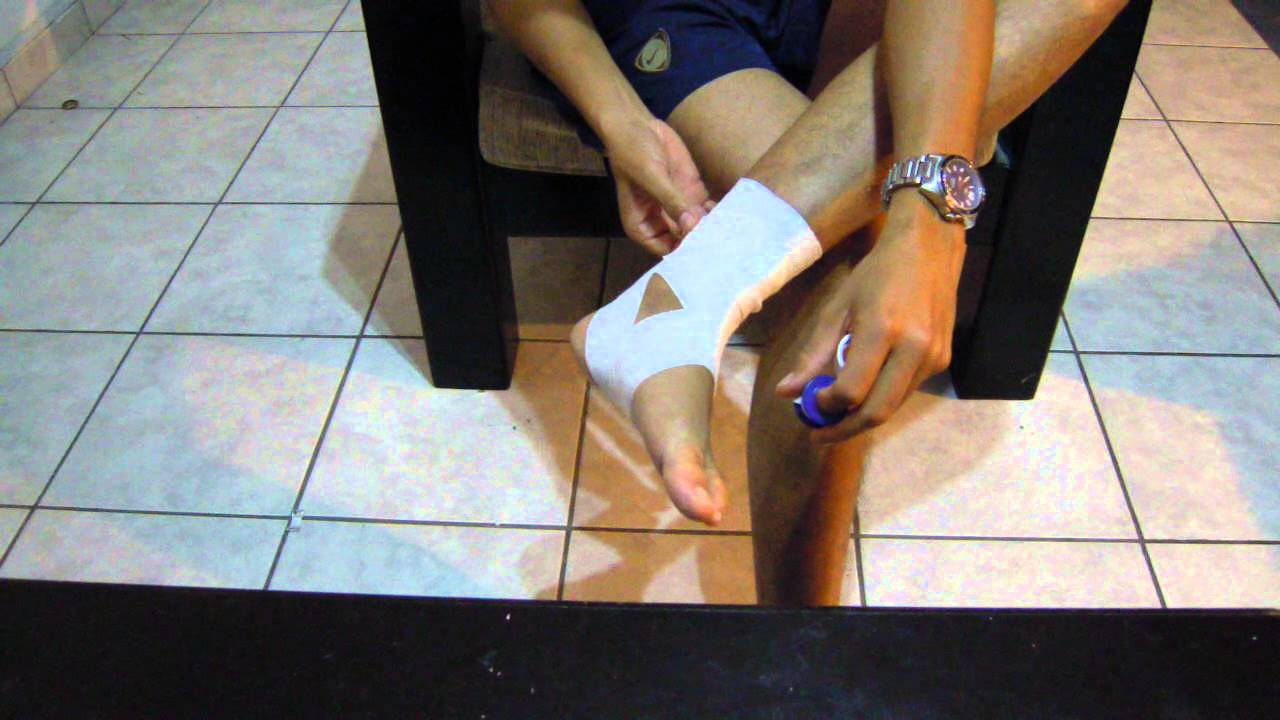 Como vendarte para jugar futbol vendaje preventivo para - Como mantener los pies calentitos ...