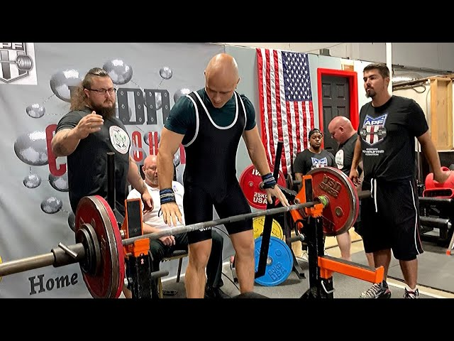Bench Pressing Hard on Powerlifting Competition in Fort Lauderdale