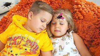 Roma and Diana vs Pesky Flies! Kids story in English