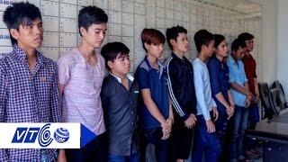 8 thanh niên chém người bừa bãi tại Nha Trang | VTC