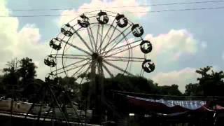 高速観覧車 at ブッダ初転法輪の地サルナートin india
