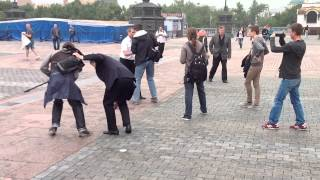 #КипТВ: HD 15 августа людей с камерой бьют у ХХС 2 #PussyRiot(полная версия в Full HD - http://youtu.be/qz_IVx8EKTM., 2012-08-15T08:39:05.000Z)