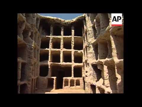 EGYPT: ALEXANDRIA: ARCHAELOGISTS UNEARTH BYZANTINE NECROPOLIS