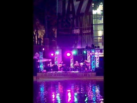 Strunz & Farah in San Antonio, TX - 2017