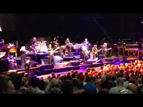 Bruce Springsteen May 1st 2014, MidFlorida Credit Union Amphitheatre, Tampa, FL [30 MIN]
