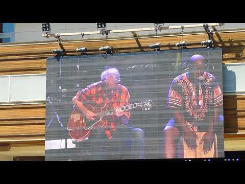 Elvin Bishop Trio: Your love keeps liftin' me higher