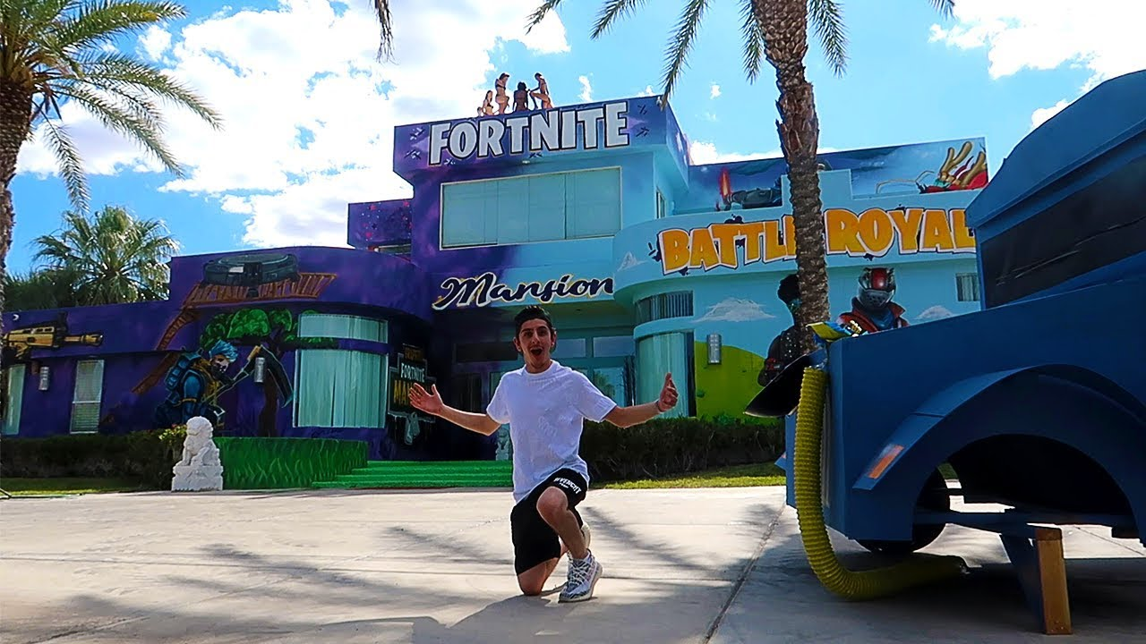 Visiting The First Ever Fortnite Mansion In The World Insane