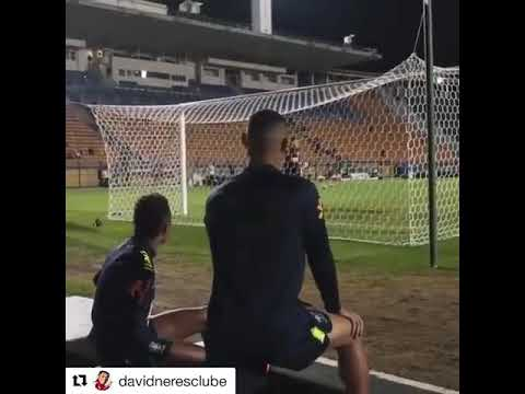 Richarlison and Neres taunting Ederson during his training