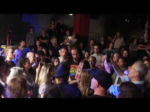 Michael Franti - We are all earthlings - Live in Paris - mp3