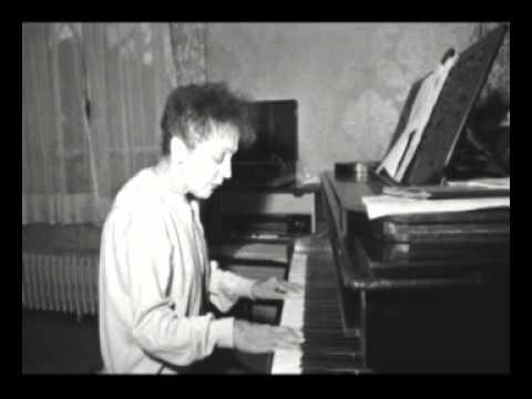 Edith Piaf chante Non, je ne regrette rien pour la première fois