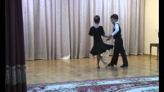 Дети танцуют ча-ча-ча