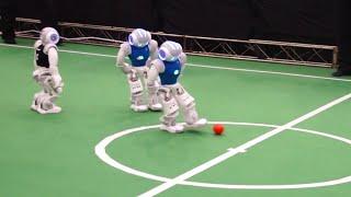 RoboCup 2015 SPL Semi Finals: Nao-Team HTWK vs. B-Human