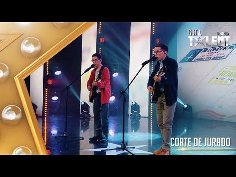 Estos GEMELOS y sus guitarras nos regalaron una bella canción