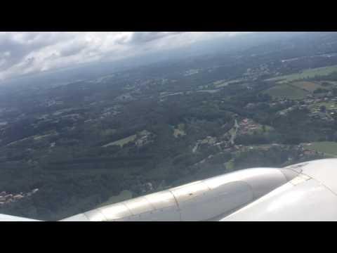 Air France A321 landing in Biarritz