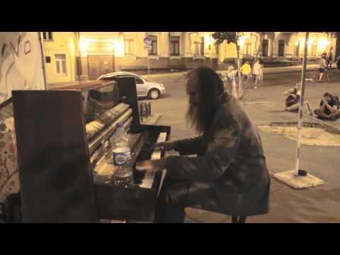 AMAZING Street Performers Musicians Piano |  Уличный музыкант играет на пианино, завораживает!