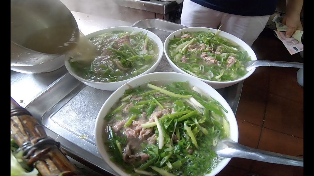 Quán phở nhiều hành nhất Việt Nam, khách phải trả tiền trước khi ăn - Khám phá vùng quê