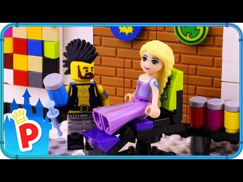 ♥ LEGO Rapunzel Goes To TATTOO STUDIO To Get Inked