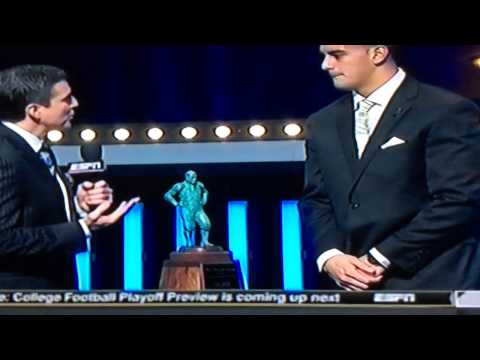 Marcus Mariota Winning the Maxwell Award 2014