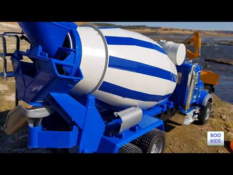 BRUDER TOYS - TRUCKS, TRACTORS, CEMENT MIXERS, EXCAVATORS ARE PLAYİNG NEAR THE SEA - FULL HD