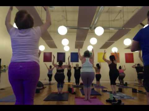 60 Min. Power Yoga Flow - Leah Garniss