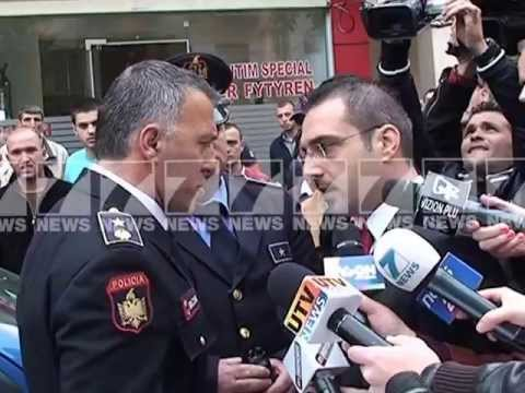 Dhuna policise ne Tirane Sherri Tahiri - Brecani