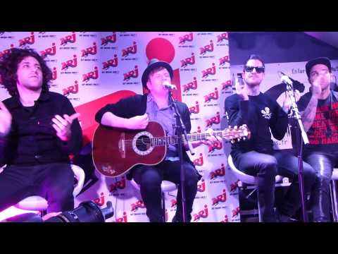 Fall Out Boy - The phoenix & Sugar We're Going Down - Live acoustic @ Orléans - Infrared 04 04 13