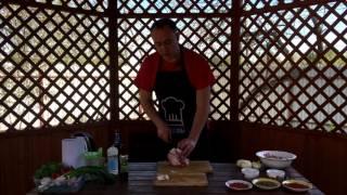 Маринуем классический шашлык из свиной шеи в уксусе