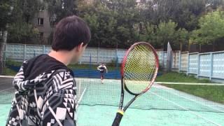 Теннис. Специально-подготовительное упражнение с корзины для передвижений по площадке.