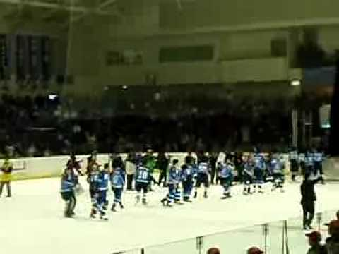 Seibu Prince Rabbits leaving the ice for the final time after thanking their fans
