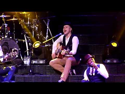 Olly Murs - Busy (Acoustic) - Cardiff 26/03/13
