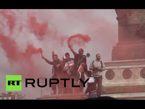 RAW: Pro-Palestinian rally in Paris turns ugly, protesters clash with police