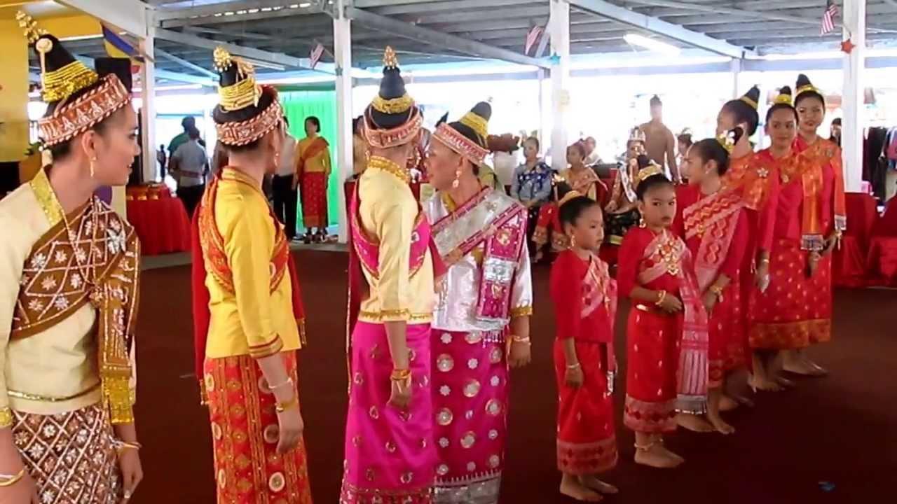 Lao new year festival wat lao buddharam murfreesboro tn 4 05 18 2013 youtube - Lao temple murfreesboro tn ...