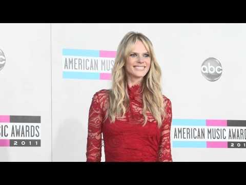 Anne V Fashion American Music Awards 2011
