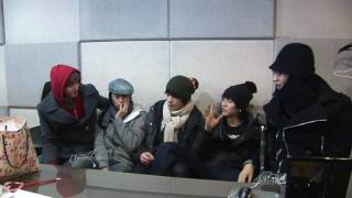 [Promotional Clip] 2PM listening to 2AM's new track thumbnail