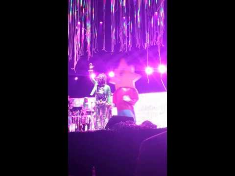 Winston Marshall dancing with the flaming lips Salida Stopover 8-21-15