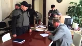 Radical party leader Oleh Lyasho forces Sloviansk city coun