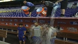 TEX@MIA: Trio of Rangers take Ice Bucket Challenge