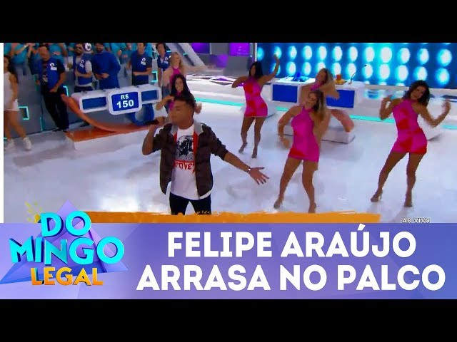 Felipe Araújo arrasa no palco  | Domingo Legal (10/03/19)