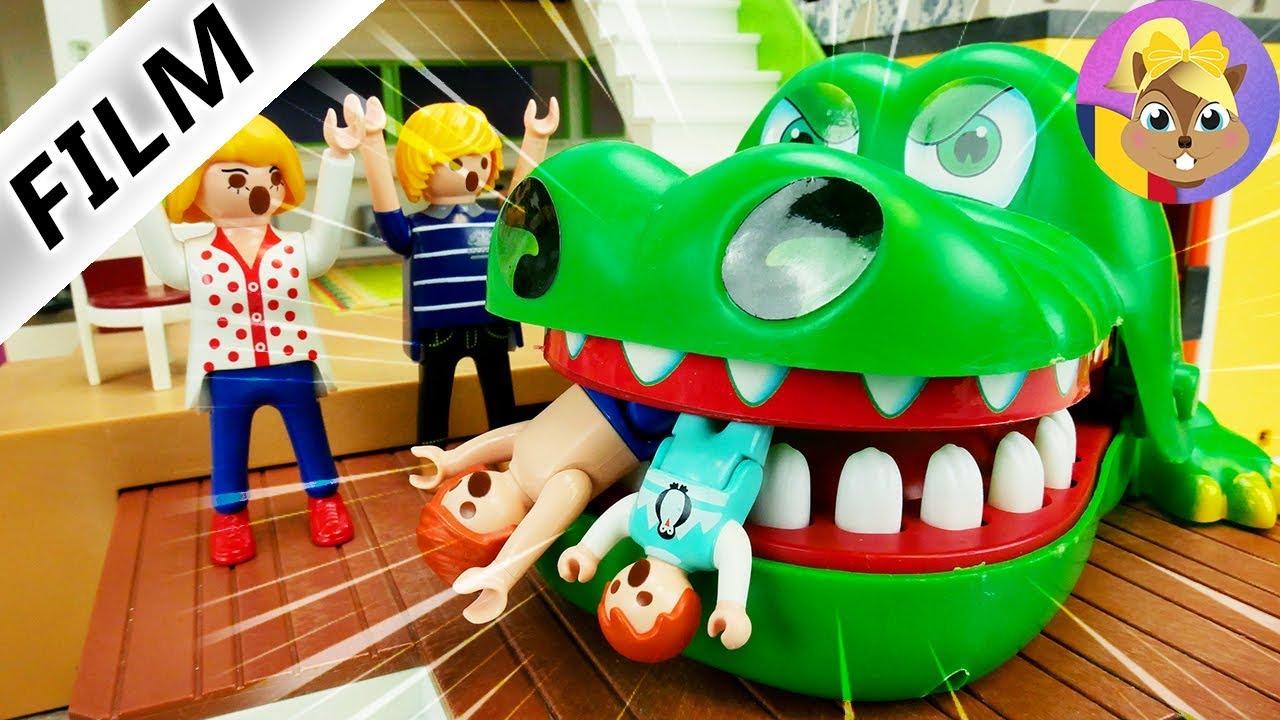 Film Playmobil - PROVOCARE LA PISCINĂ CU KROKO DOC XXL! APASĂ DINȚII CROCODILULUI! - Familia Anton
