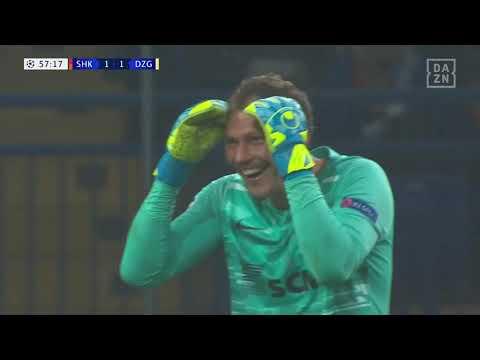 Pyatov foul against Dinamo Zagreb