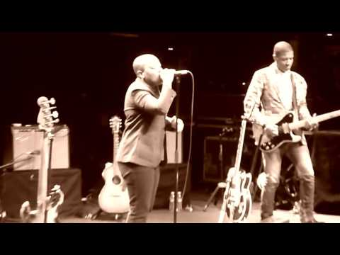 Meshell Ndegeocello -The Sloganeer (Live 2010, Feat. Deantoni Parks)