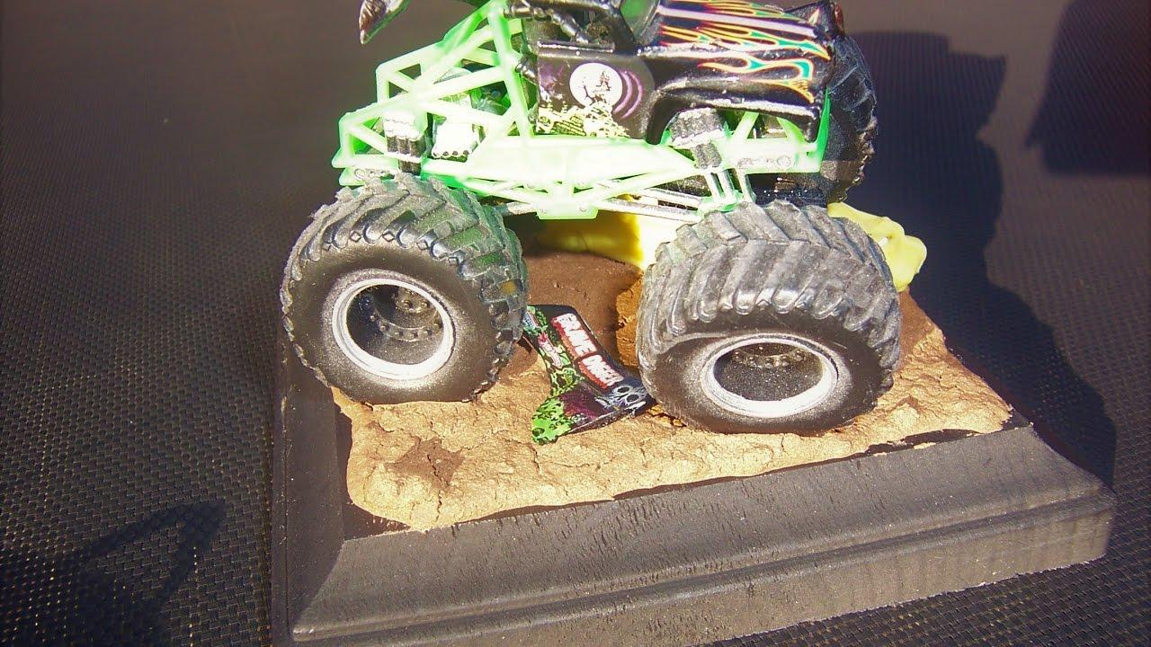 Monster Truck Rc Cars >> Monster Jam Custom Monster Truck Wrecked truck Diorama 1 ...