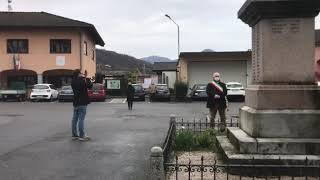 Il minuto di silenzio di Cossogno in ricordo delle vittime del Covid-19
